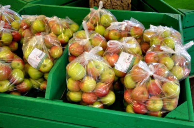 j'utilise des sachets pour préserver les pommes de la déshydratation et ralentir le murissement