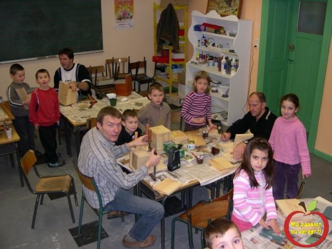 Matinée assemblage nichoir avec les élèves - comment sensibiliser les élèves au verger