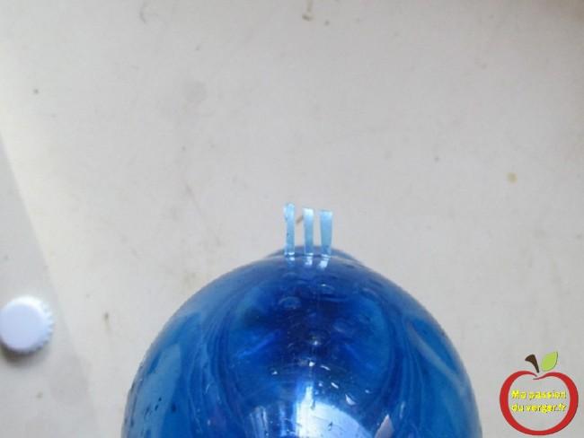 piège à trappe pour guêpes- fabriquer un pièges à guêpes- faire un pièges pour frelon avec trappe- éviter que guêpes sortent du piège- frelon ne peut plus sortir du piège- guêpes ne peuvent plus sortir du piège- pièges efficace avec bouteille plastique- piège guêpes avec bouteille eau - piège frelon avec bouteille eau- piège facile à faire contre les guêpes