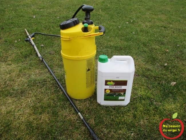 traiter mousse dans le gazon- pulvériser anti mousse gazon- anti mousse pelouse -