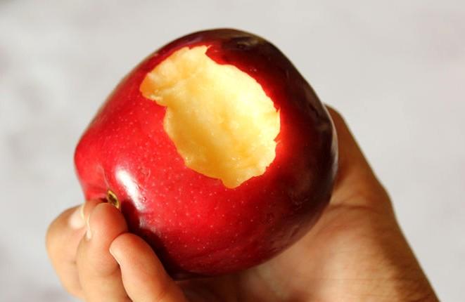 Eat-an-Apple-Step-