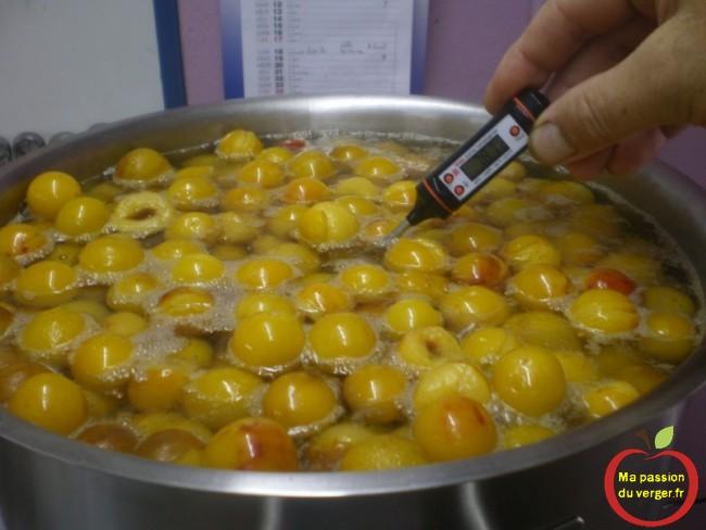 Il faut surveiller la cuisson, pas plus de 80° pour conserver le plus possible de vitamines .