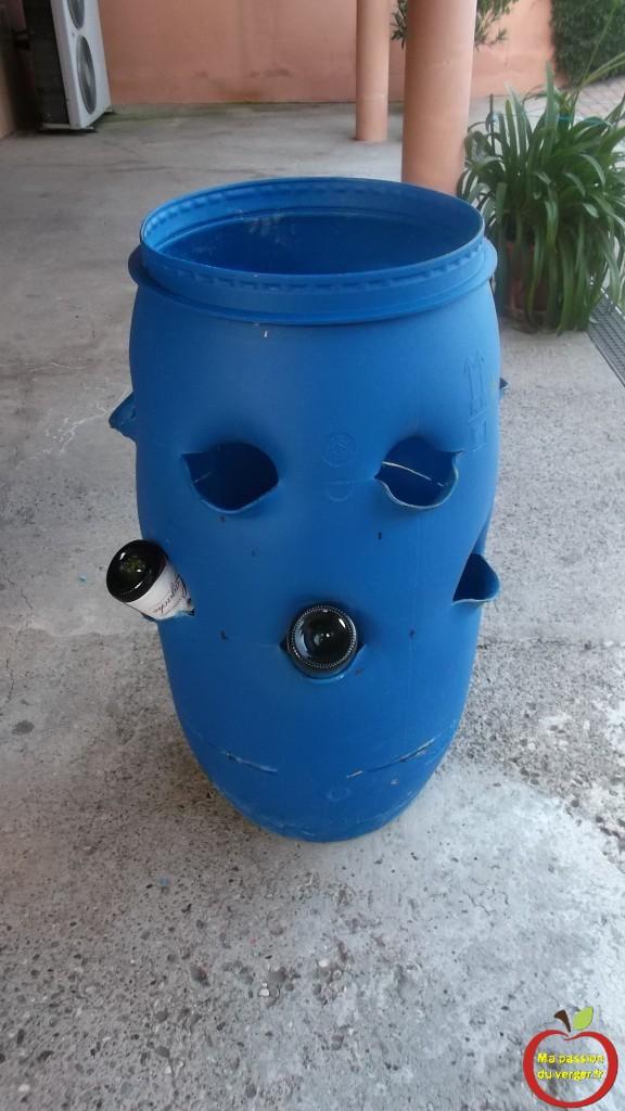 comment réaliser une tour a fraisier, avec un fut bleu