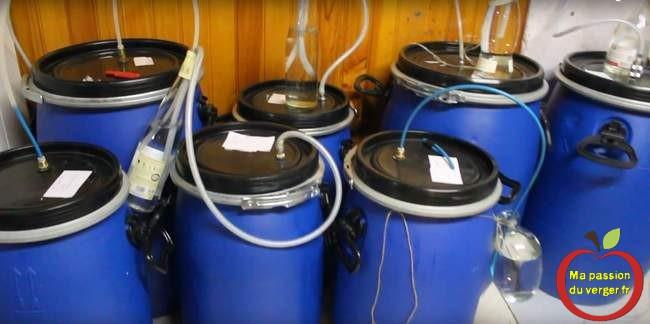 Barboteur maison - fabriquer bonde de fermentation- comment fabriquer un barboteur avec une bouteille-tuyau dans bouteille pour la fermentation.