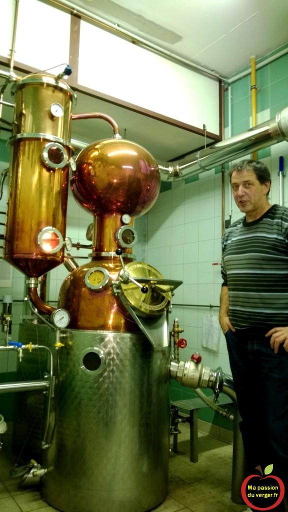 la distillation des fruits de qualité- alambic nouvelle génération - alambic moderne à une passe.