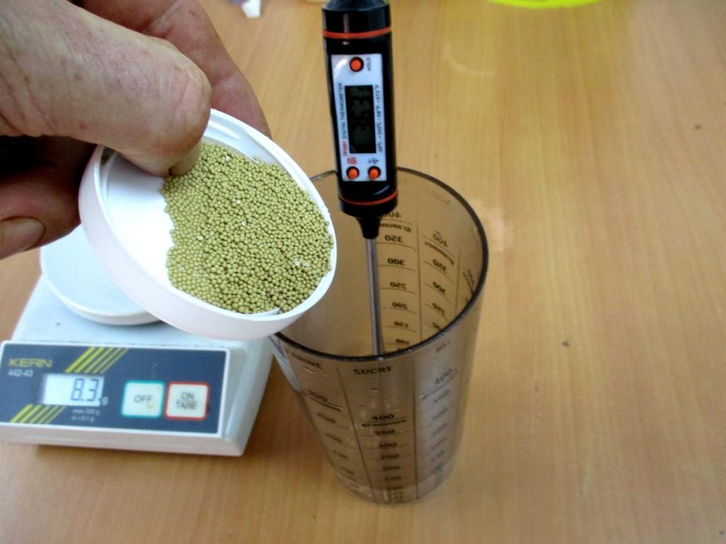 Il est recommandé de diluer ces levures dans 10 fois leur volume en eau à 35°C environ. mout de poire fermentation controlee