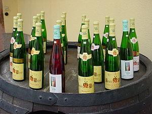 300px-Bouteilles_Alsace