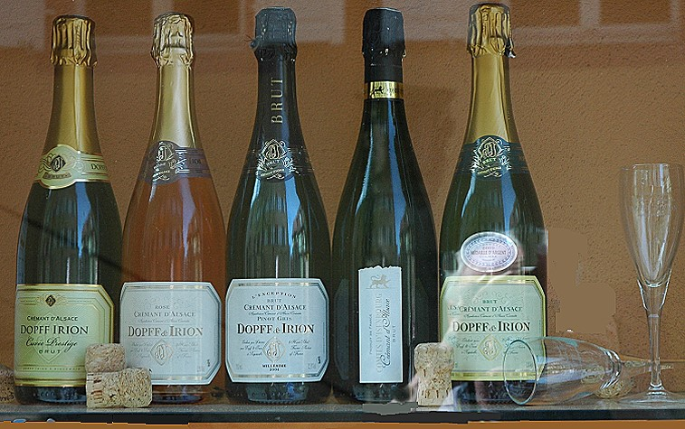 Bouteilles-de-Cremant-d-Alsace-Domaine-Dopff-Irion-C-M.CRIVELLARO