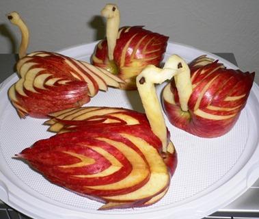 Fruit-Carving-Cigni-Mela_thumb