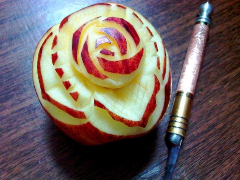 first_apple_carving_by_nomarionette-d52v1hw