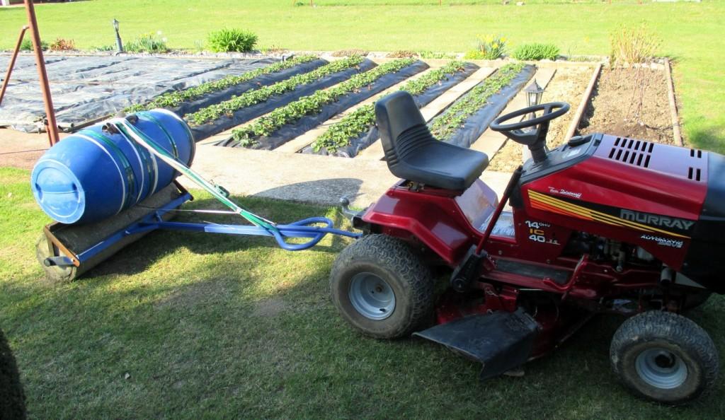 Comment attacher le rouleau a gazon au tracteur tondeuse.