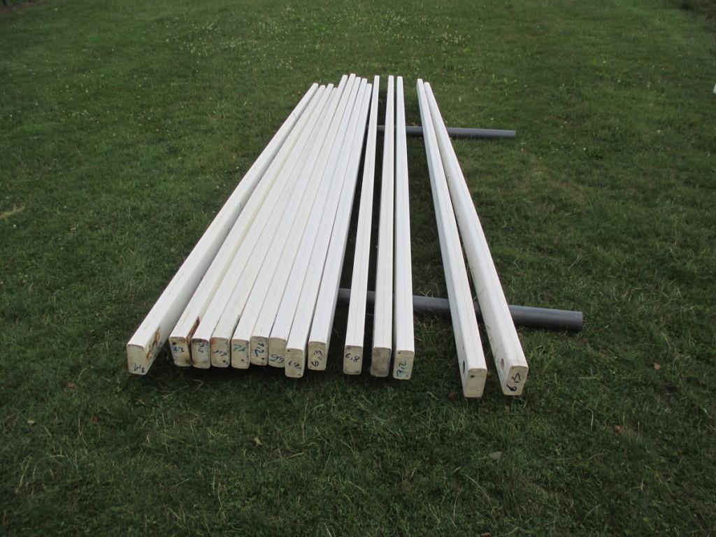 Les barrières après le nettoyage, pour remplacer des chevron en bois, pour la treille