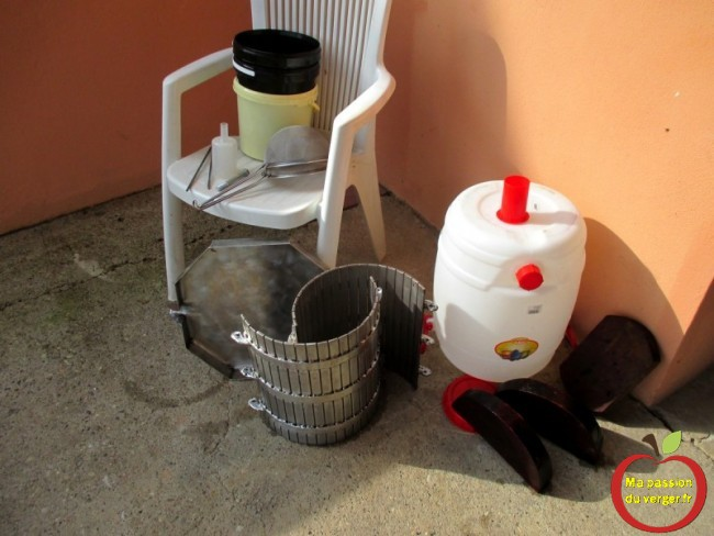 Nettoyage du matériel, de pressurage et de macération.