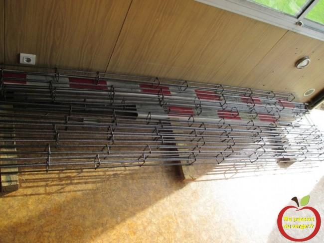 réaliser des armatures pour le béton armé pour renforcer les poteaux de palissage