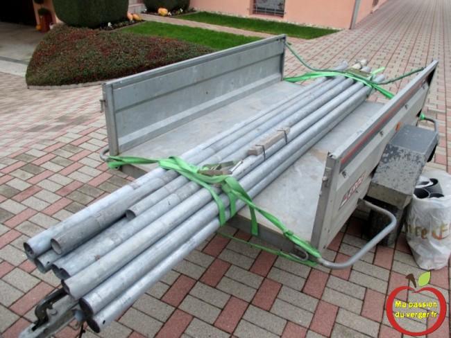 tube galvanise pour faire les poteaux du plaissage