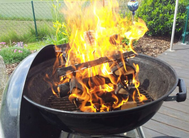grillholz-holz-zum-grillen