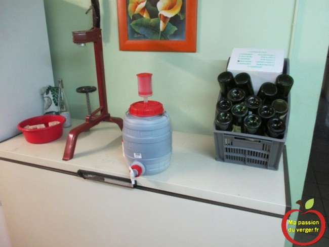 matériel pour l'embouteillage de vin maison bio.