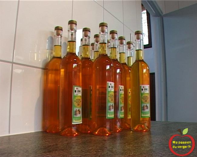 Vente d'huile de noix Jucoop- huile artisanale- pure huile de noix bio- huile de noix d'Alsace- retro huile de noix- pressage huile de noix- atelier huile de noix