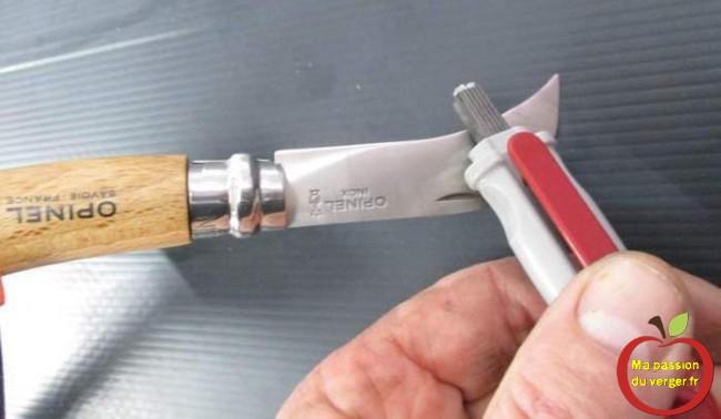 affileur en carbure de poche pour secateur couteaux greffage lame inox