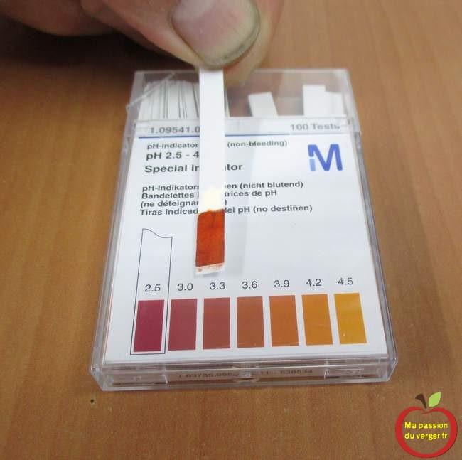 Papier pH pour contrôler l'acidité du moût