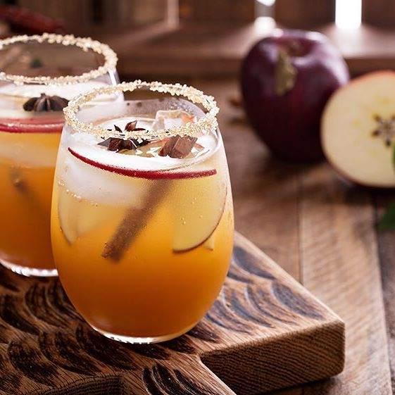 Le jus de pomme chaud à la cannelle- recette jus de pomme chaud de noël.