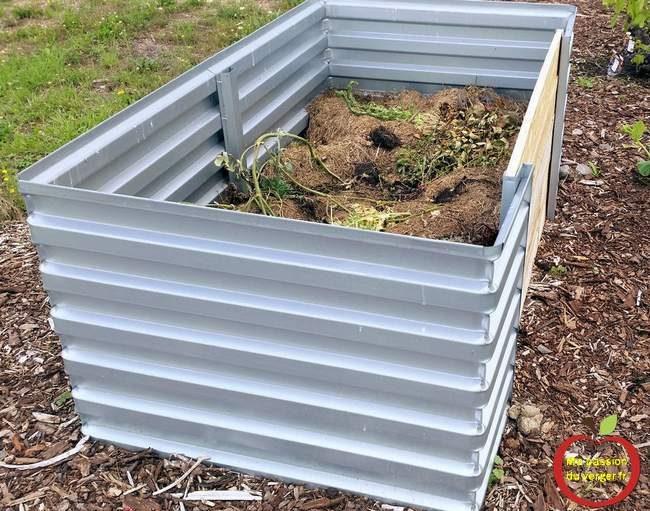 grand bac à compost- très grand bac à compost- bac à compost en tôles galvanisée- bac à compost pas cher- faire du compost pour potager en permaculture- faire du compost pour bacs permaculture