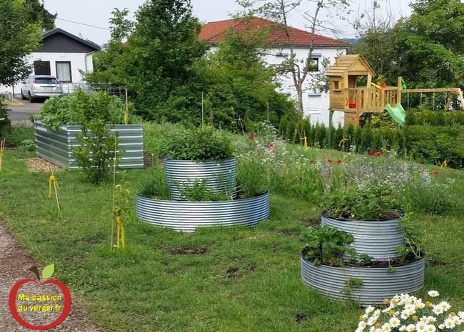 bacs pour potager en tôle rond - grands bac pour potager en permaculture- bac potager surélevé - bac acier pour potager en carré