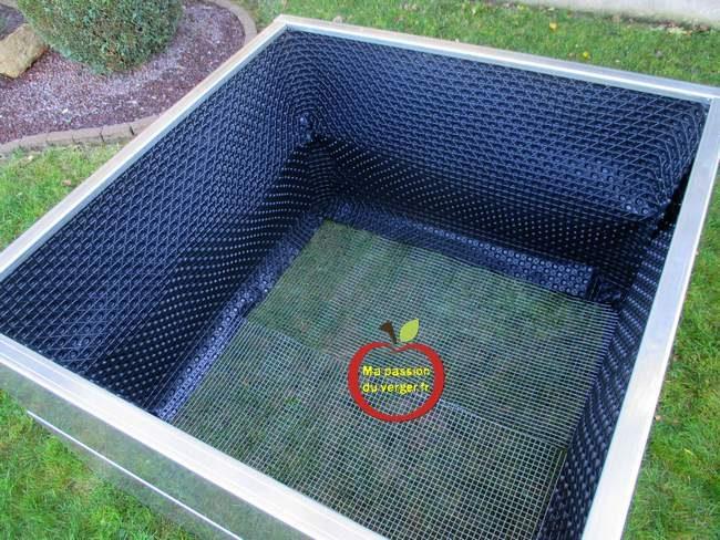 - potager surélevé alu- bacs aluminium surélevé- potager en hauteur- bacs surélevé pour permaculture- bac potager surélevé pour culture en lasagne- Bac potager bac sans fond aluminium- potager carré- bacs potager carré en aluminium- - potager en carré aluminium - faire un potager carré bio - permaculture en bac- potager en lasagne- ma passion du verger- passion potager- légumes bio faire soi-même- jardin potager haut de gamme- jardin bio- potager - plantation en bacs bio- avantages des potager en bac alu- potager durable-