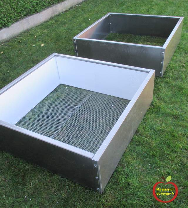 isolation du bacs potager- comment isoler potager en carré- potager en bacs en hivers- protection potager surélevé en hiver- éviter gel dans bac potager-