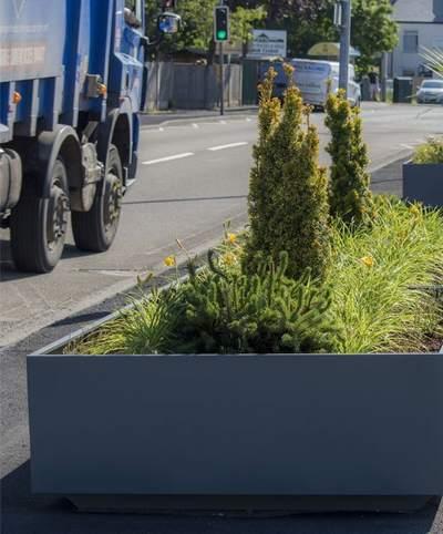 Pour bloquer l'accès aux voitures ou camions, dans les zones piétonnes ou touristiques.