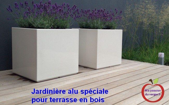 jardinière alu pour terrasse en bois- jardinière pour poser sur le bois- jardinière aluminium pour terrasse- bacs alu pour terrasse en bois- pots pour terrasse en bois- plantation sur terrasse en bois.