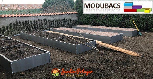 Comment remplir vos bacs potager façon permaculture ? -comment remplir votre potager carré- remplissage bacs potager en bois- potager carré en bois- jardin potager urbain- jardin potager bio- jardin potager en lasagne.