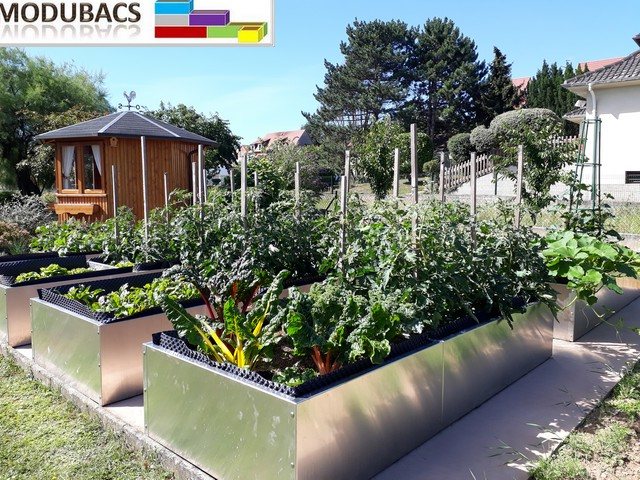 Ensemble de 8 bacs potagers en aluminium brut de monté en ligne- Potager en aluminium brut- potager familiale en façon permaculture-